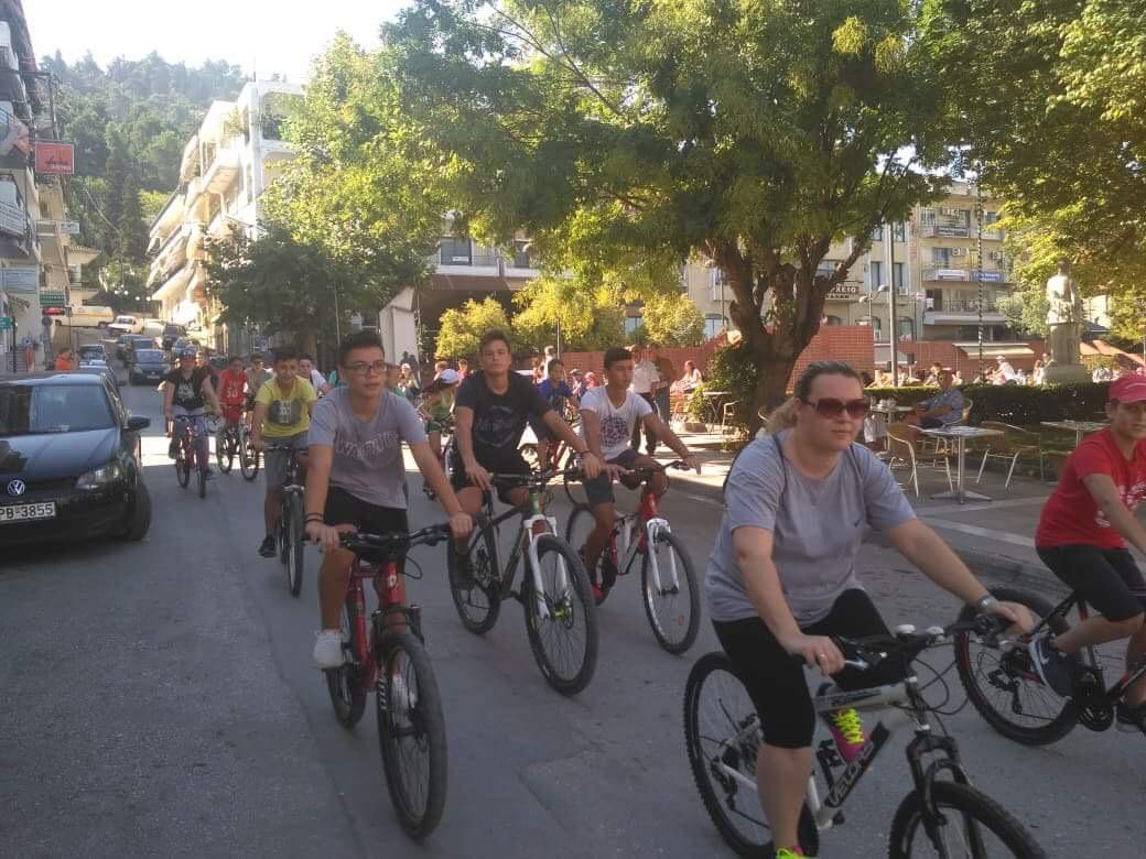 Photo of Πλήθος κόσμου στην ποδηλατοδρομία στα Φάρσαλα