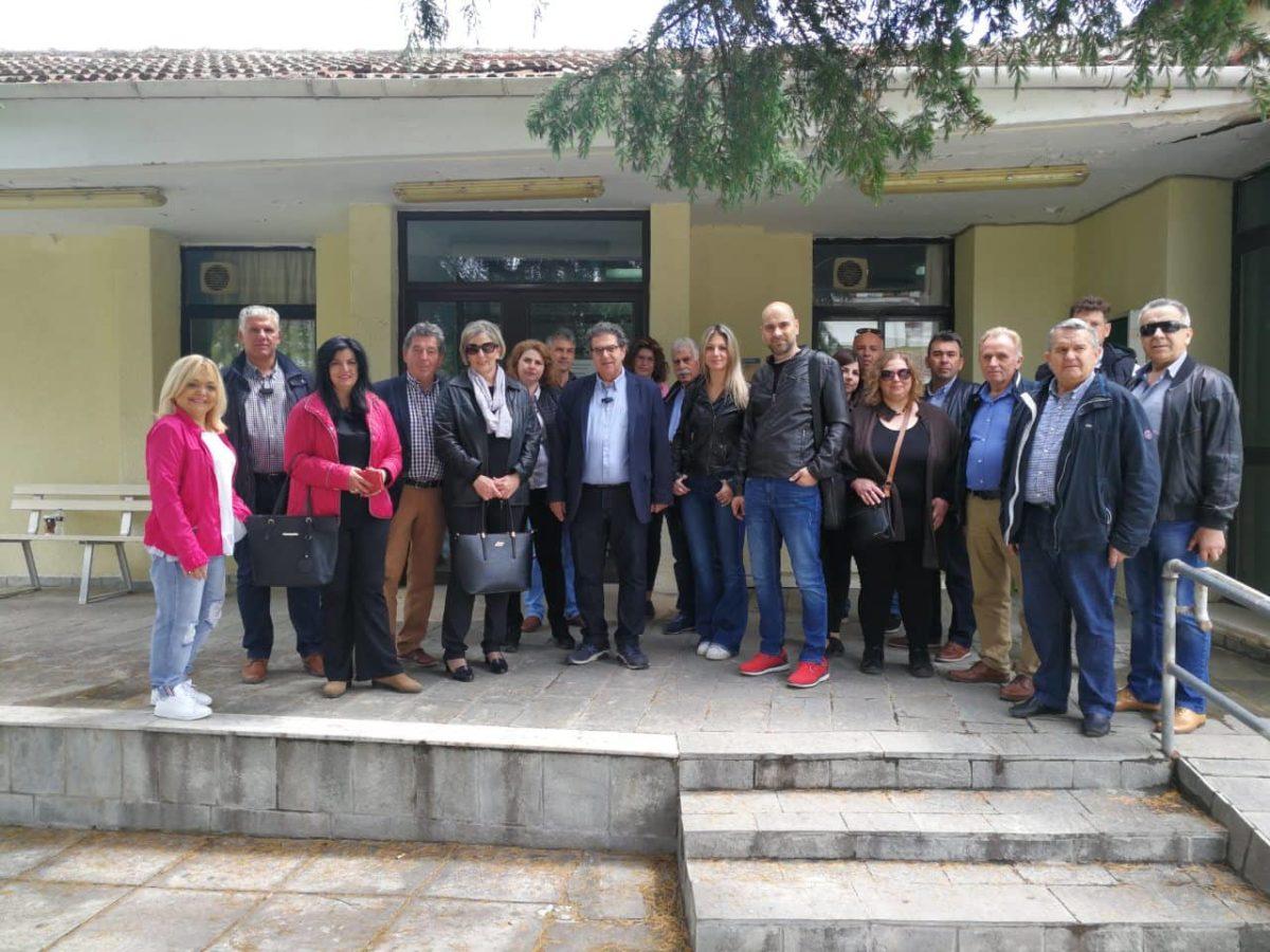 Photo of Εσκίογλου στο ΚΥ Φαρσάλων: Πανστρατιά για νέο ιατρικό προσωπικό και σταθμό ΕΚΑΒ