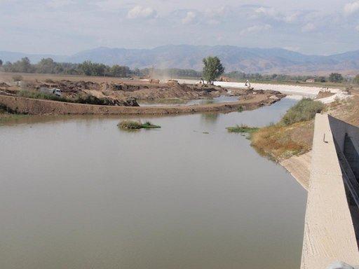 Photo of Πρόχειρα φράγματα σε Πηνείο και Ενιπέα για την άρδευση 70.000 στρεμμάτων κατασκευάζει η Περιφέρεια Θεσσαλίας