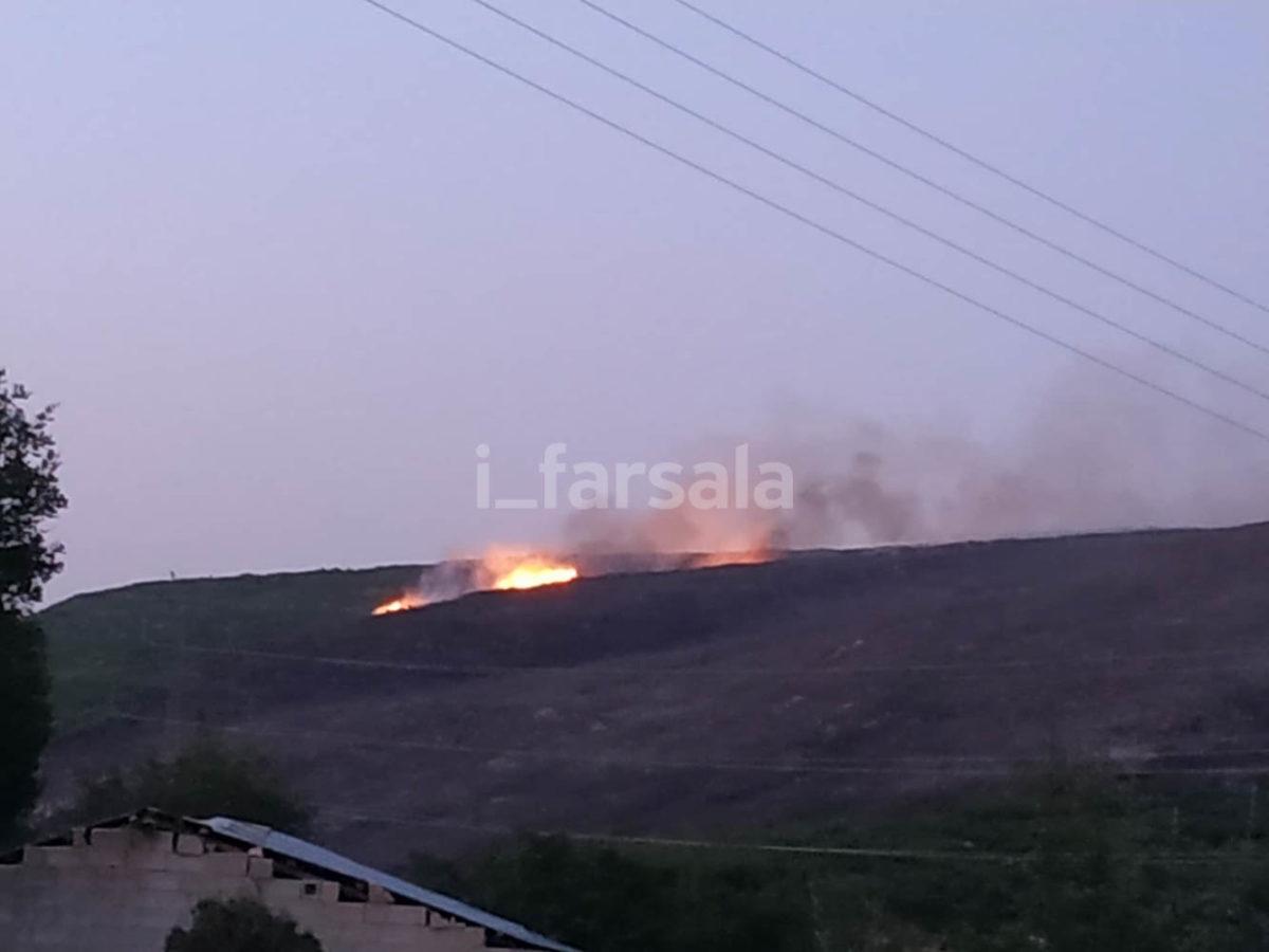 Photo of Συνεχίζει να καίει η φωτιά το Κιτίκι Φαρσάλων – Μεγάλη επιχείρηση της Πυροσβεστικής