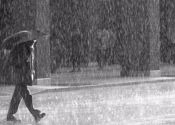 Photo of Δεκαπενταύγουστος με βροχή και κεραυνούς στα Φάρσαλα (βίντεο)
