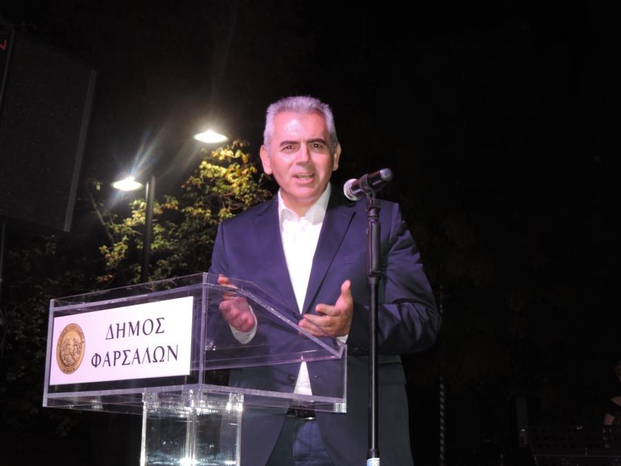 Photo of Μάξιμος Χαρακόπουλος: «Χαλβά Φαρσάλων, ΠΟΠ Ελασσόνας και γιορτή στην πλατεία Συντάγματος!»