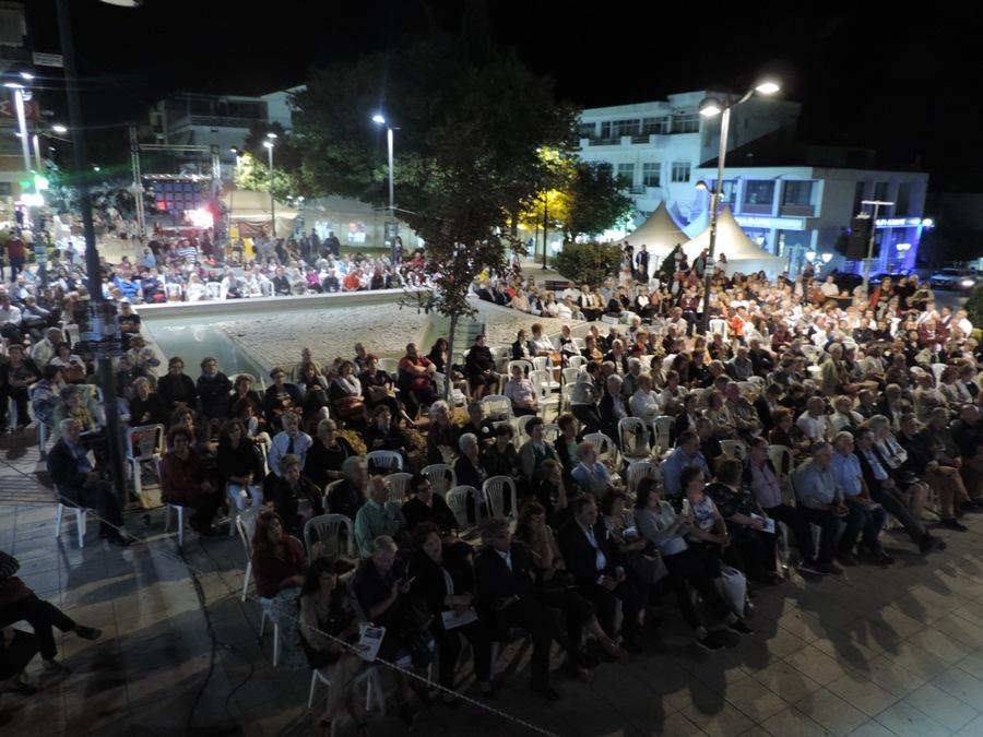 Photo of Με θετικότατους οιωνούς και τις καλύτερες εντυπώσεις ξεκίνησε η 14η Γιορτή Χαλβά (Φωτογραφίες)