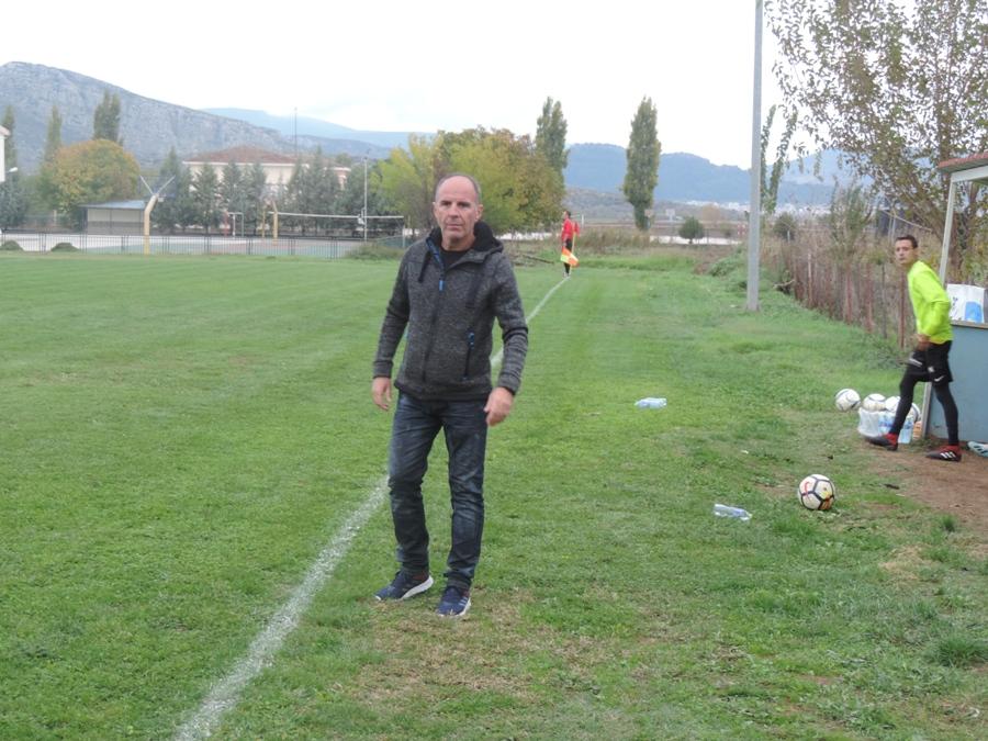 "Photo of Ο προπονητής του Αχιλλέα Φαρσάλων κ. Χρήστος Καπελιάνης στο Web Radio του ""Πρώτος Τύπος"" (aud)"