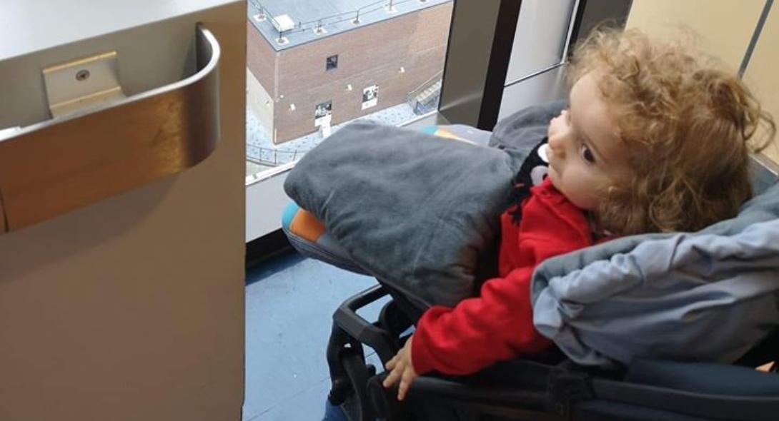 """Photo of Ξεκινάει την θεραπεία του ο μικρός """"γίγαντας"""" Παναγιώτης – Ραφαήλ!!!"""