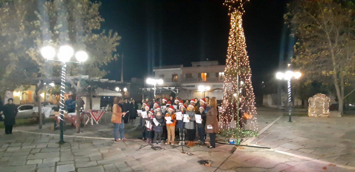 Photo of «Άναψαν» το Χριστουγεννιάτικο δέντρο στην Κρήνη Φαρσάλων