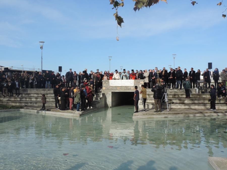 Photo of Φάρσαλα: Με κάθε Επισημότητα και Θρησκευτική κατάνυξη εορτάστηκαν τα Άγια Θεοφάνεια 2020 (Pics & Vid)