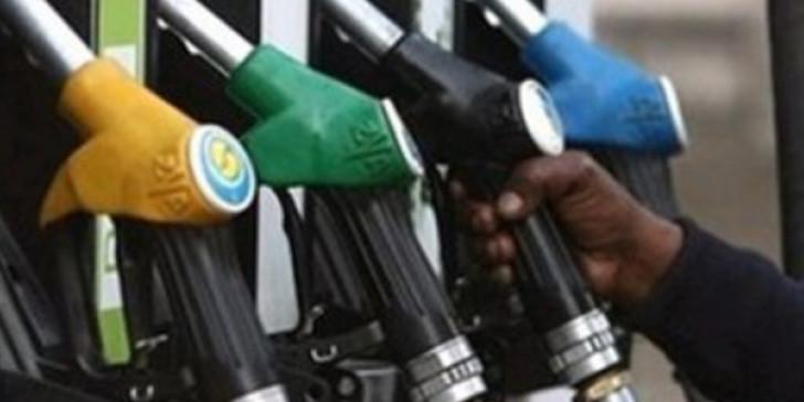 Photo of Βενζινοπώλες: Πρόταση ώστε τα βενζινάδικα να λειτουργούν τρεις ημέρες την εβδομάδα!