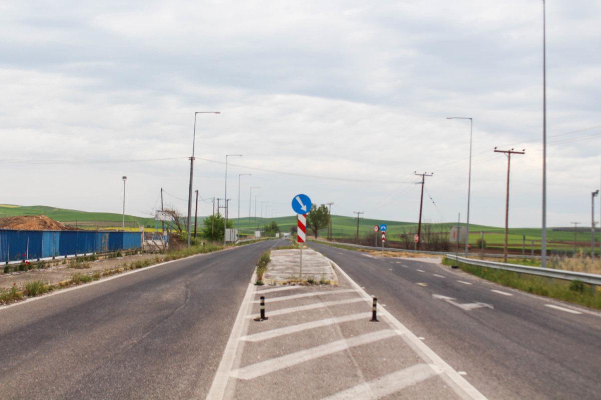 Photo of Μέσω Βαμβακούς η κυκλοφορία στο δρόμο Λάρισας – Φαρσάλων από τον Μάιο
