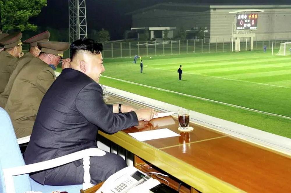 Photo of Παίζοντας ποδόσφαιρο στη Βόρεια Κορέα των Κιμ
