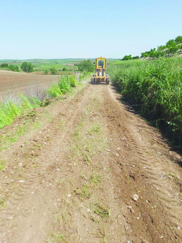 Photo of Ολοκληρώνονται τα έργα αγροτικής οδοποιίας στην Επαρχία, λίγο πριν την κορύφωση των αγροτικών εργασιών