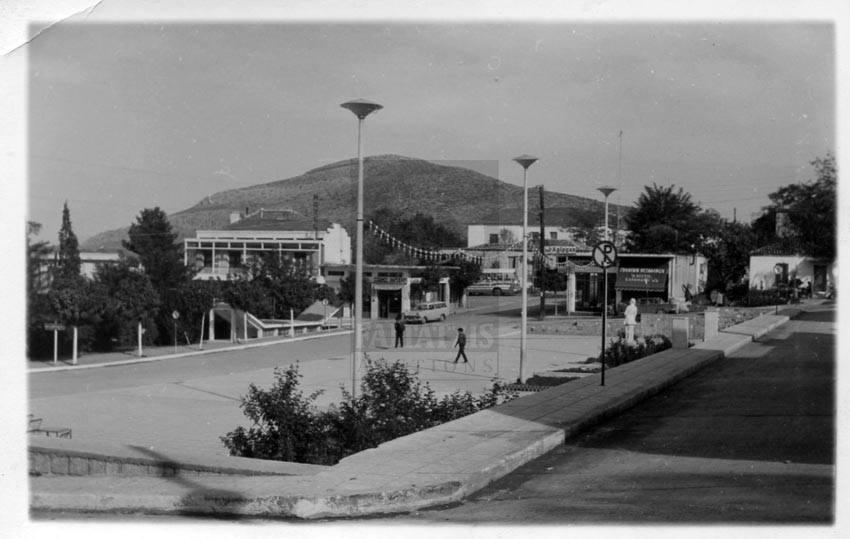 Photo of Αναμνήσεις και εικόνες με άρωμα Φαρσάλων: Η Πλατεία Δημαρχείου μέσα στην πάροδο των χρόνων (Pics)
