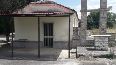 Photo of Ιερόσυλοι έκλεψαν 3 εικόνες από το τέμπλο στο Ελληνικό Φαρσάλων